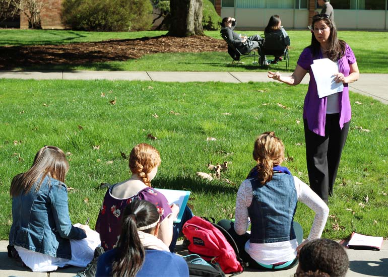 George Fox psychology students study in an encouraging Christian college environment.
